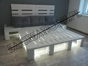 Łóżko z palet z oświetleniem LED