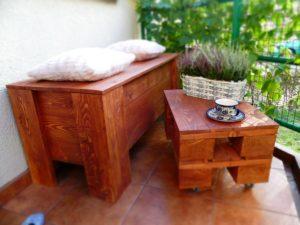 Skrzynia z palet i mini stolik kawowy z palet