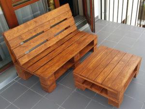 Kanapa i stolik z palet