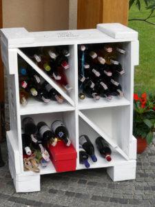 Skrzynka z palet na wino