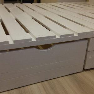 Szuflada pod łóżkiem z palet
